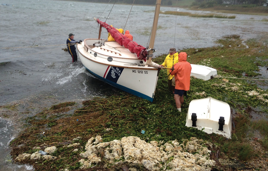 Chafing gear failure leaves catboat stranded