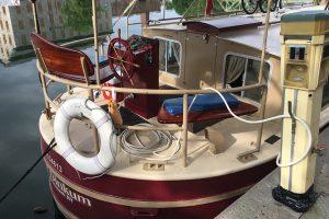 Canal rental boat in Seneca Falls