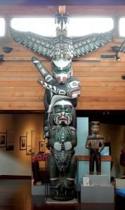 Totem in the U'mista Museum web