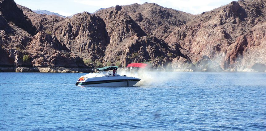 Boaters answer distress call